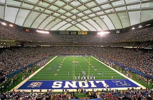 Before and After Detroit Lions Stadiums (23/32): Pontiac Silverdome and Ford Field  http://ift.tt/1rlDfrK via /r/nfl http://ift.tt/1XS1fkT I_Enjoy_Taffy
