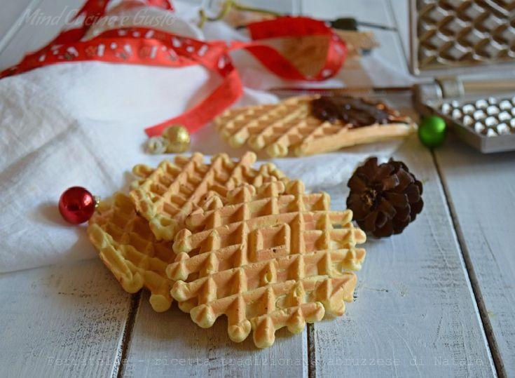 Vole te la ricetta delle ferratelle? Ecco per voi le Ferratelle - ricetta tradizionale abruzzese di Natale. Una ricetta di tradizione abruzzese natalizia