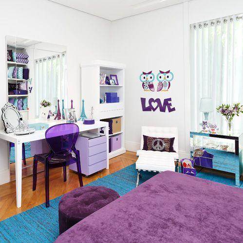 esse quarto possui móveis soltos sem marcenaria planejada e nem por isso perdeu a beleza...ficou lindo