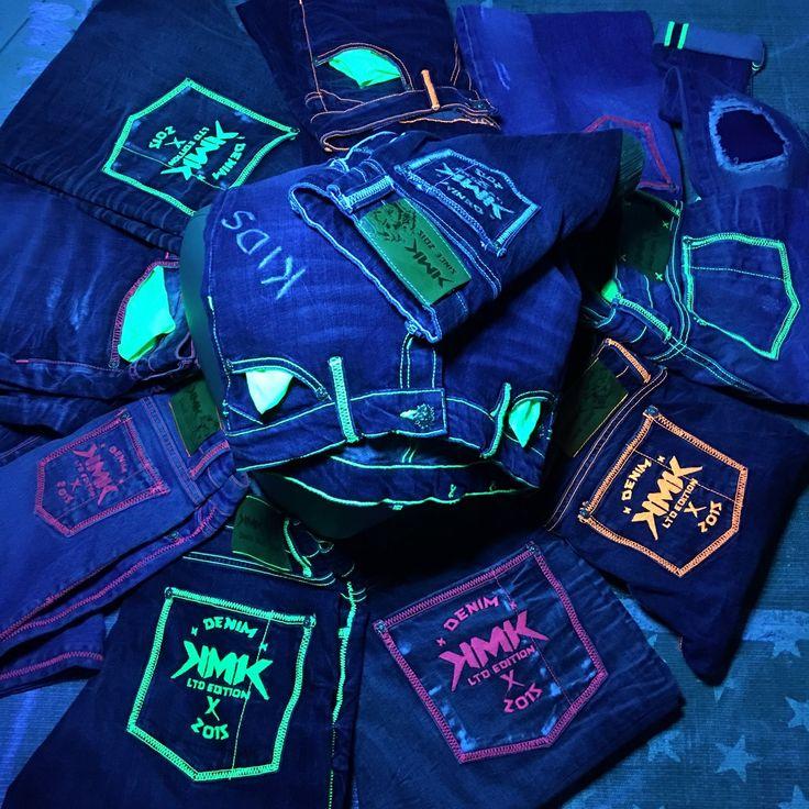 """1st Jeans worldwide - unique and light reflection ! """"KMK Jeans the Original"""" they provide a safety funktion… Unsere Jeans haben die Sicherheitsfunktion überhaupt, einzigartig weltweit, neu! Reflexion bei Einstrahlung von jeglichen Licht, ob Straßenbeleuchtung oder Scheinwerferlicht aller Fahrzeuge, somit ist die Gewährleistung einer Früherkennung im Straßenverkehr, absolut gegeben! """"KMK Jeans the Original"""" 2017!)))"""