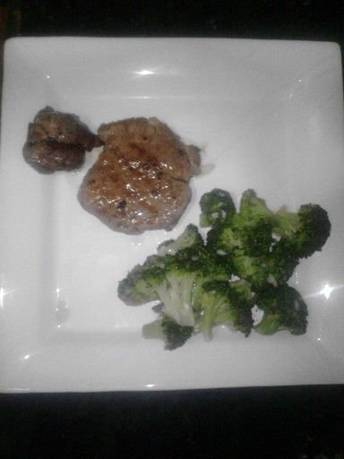 STEAK with brocoli for breakfeat