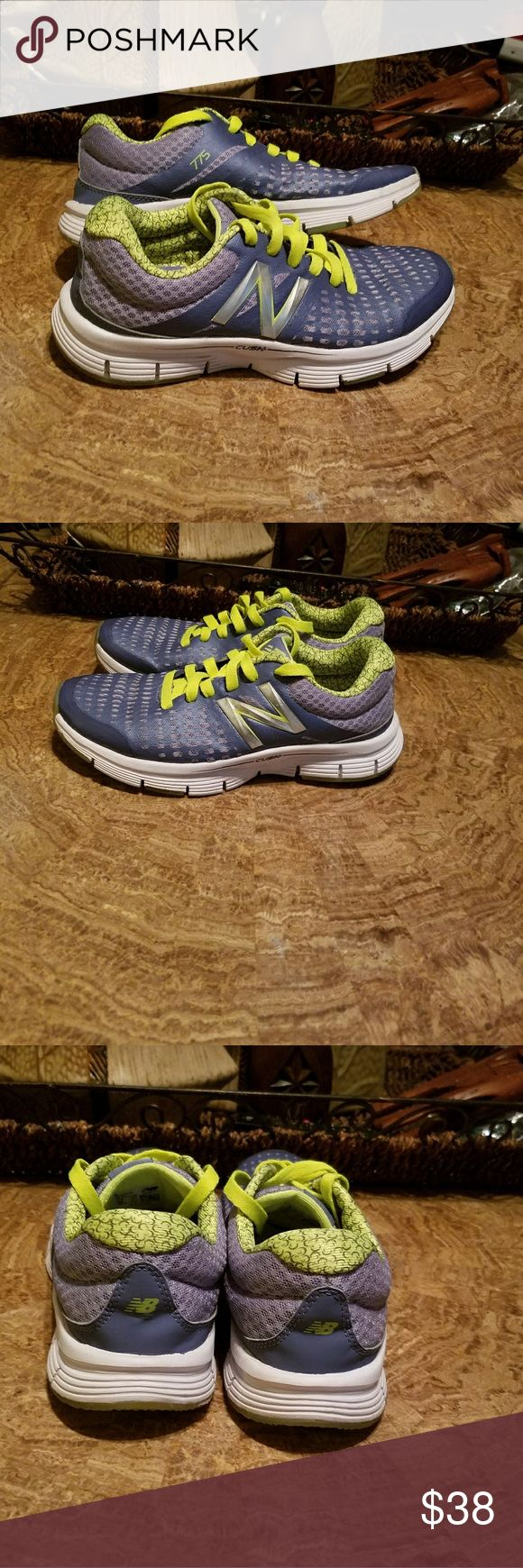 Blue New Balance 775 Blue & Neon green New Balance Cush 775 Running shoes Worn less than 5 times Good condition New Balance Shoes Sneakers