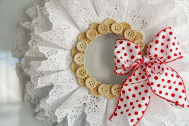 Christmas Craft Ideas With Paper Doilies : Best images about coronas on yarn wreaths