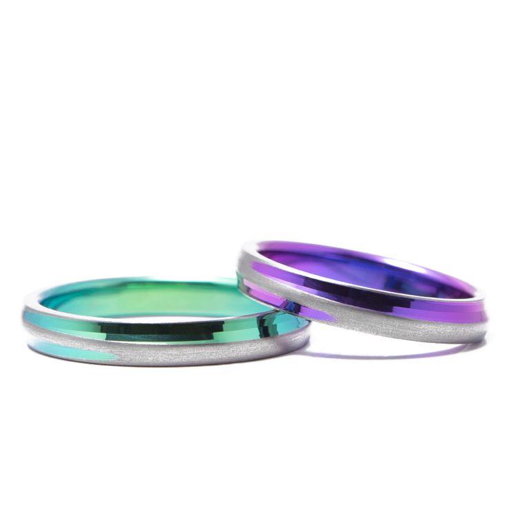 【結婚指輪 十日夜(とおかんや)】斜めに入ったカットとつや消し部分のバランスが絶妙のコントラストを生み出すデザイン。素材:Ti(チタン)。