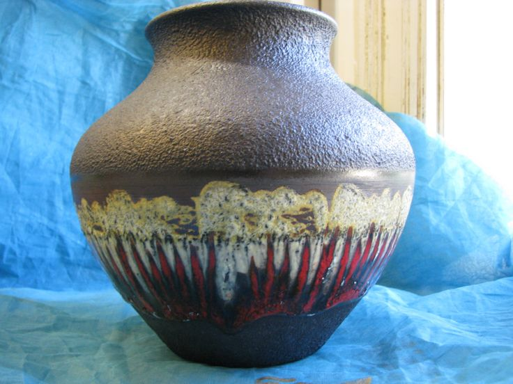 Large Vintage 1960s Vase – German Fat Lava Pottery WGP – Dümler & Breiden Dumler 187 20 – Mid Century Modernist Brutalist Design – Black Red von everglaze auf Etsy