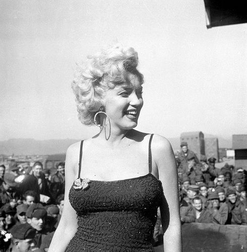 Marilyn Monroe singing to soldiers in Korea 1954 by a.heart.17, via Flickr