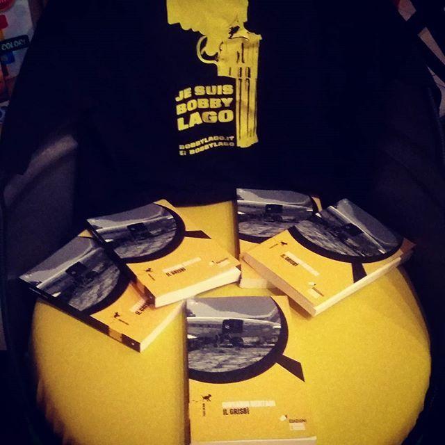 La sedia Bobby Lago alla @libreriapiccoli #bobbylago #ilgrisbì #romanzogiallo @eleonorabertani @ti_racconto_un_libro @labottegadelgiallo @rmainetti
