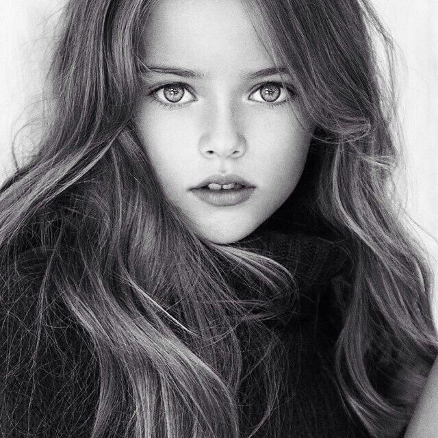 (FC: Kristina Pimenova. Color: Red Nickname: Azrael) Stephanie Heart may look like a child, but she's not. Quite the opposite in fact. Being the only girl in the hooded trio her powers are endless. But she specializes in mind control and minupluation. Get to close? She'll make you do horrible things. Awful things. Needless to say, stay away or she'll con you into killing the ones you love and driving you to the brink of insanity.