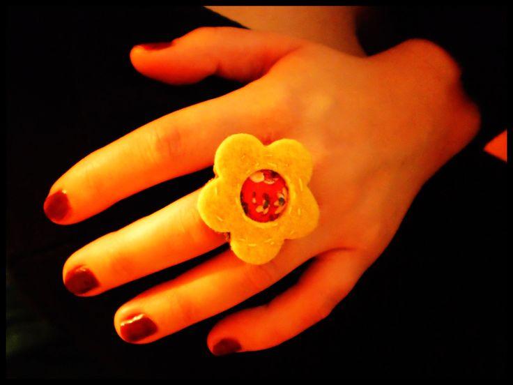 (felt) flower ring