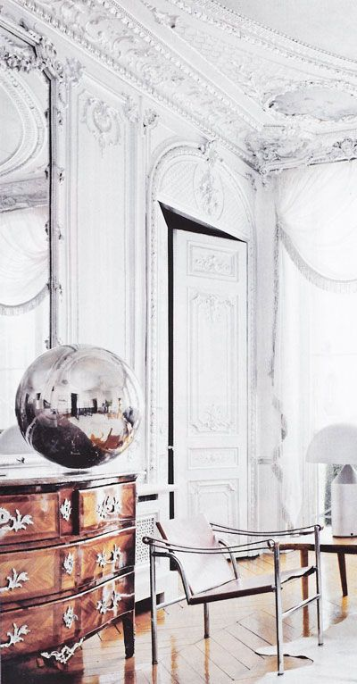 white grandeur and chrome sphere