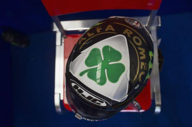 Jorge Lorenzo's second helmet in Silverstone GP #Quadrifoglioverde