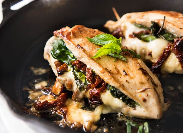 Whether you're sticking to a low-carb diet, trying to build muscle mass, or you just want to curb cravings, you'll start to feel more satisfied, pack on muscle, and watch your flabby belly whittle away when you whip up one of these delicious high-protein recipes for dinner.