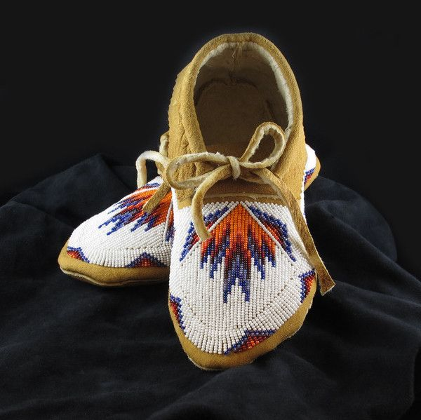 Geometric White Moccasins  Native American Beadwork from www.wacici.com