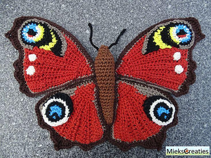 Amigurumi Chicken Pattern Free : 139 best images about amigurumi on Pinterest Toys, Yarns ...