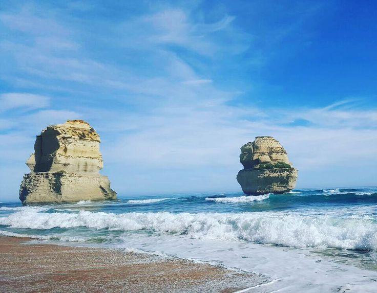 Found them  they were only 4 hours away #12apostles #greatoceanroad #giantrocks #ocean #Australia #Victoria #blue #bluesky  мы доехал #12апостолов #океан #великаяокеанскаядорога #солнце #большиекамни #Австралия #Виктория by ellenadya http://ift.tt/1ijk11S