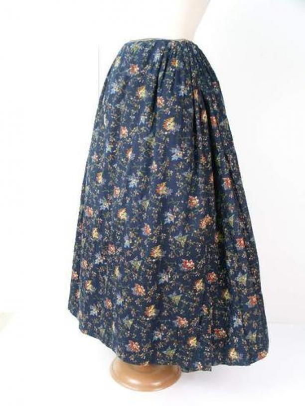 Donkerblauwe gebloemde rok van bedrukt katoen | Modemuze