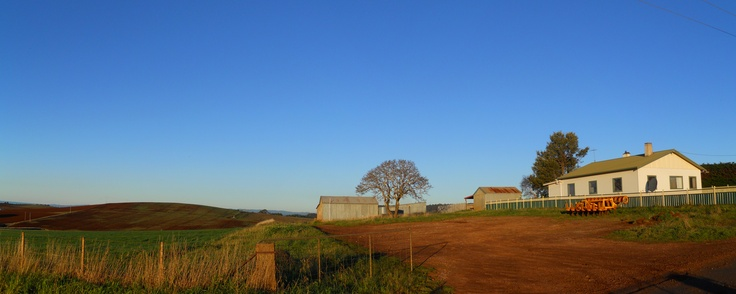 Farm house, late in the afternoon. Near Forth.