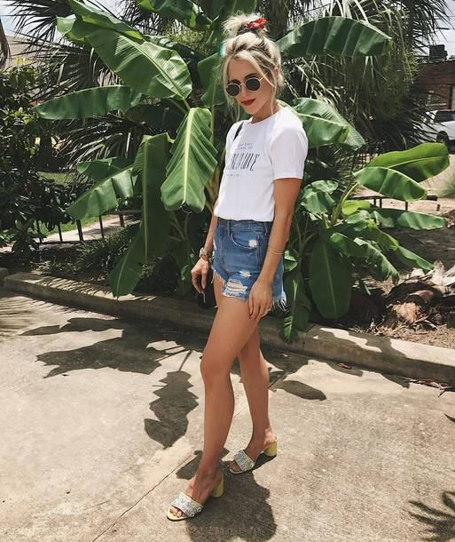 $32 River Island White 'Falling In Love' Print Fitted T-shirt Teamed With Distressed Denim Shorts And $100 River Island Yellow Rhinestone Embellished Block Heel Mules Plus Black Sunglasses Chiara Ferragni