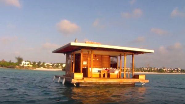This Epic Resort Has An Amazing Underwater Room That Is Beyond Belief