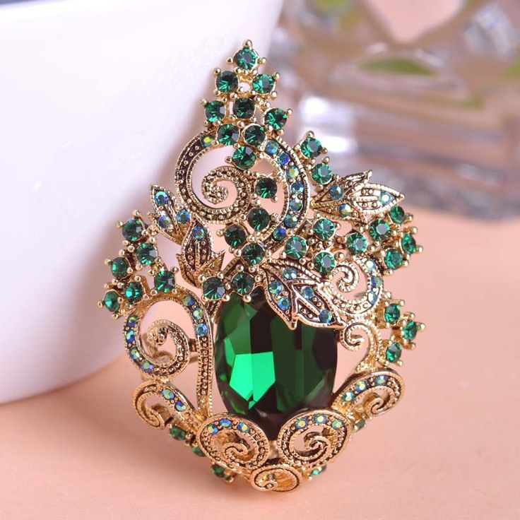 Blucome Retro Green Large Peacoke Crystal Brooches Vintage Jewelry Wedding Brooch Bouquet Corsages Antique Gold Flower Hijab Pin