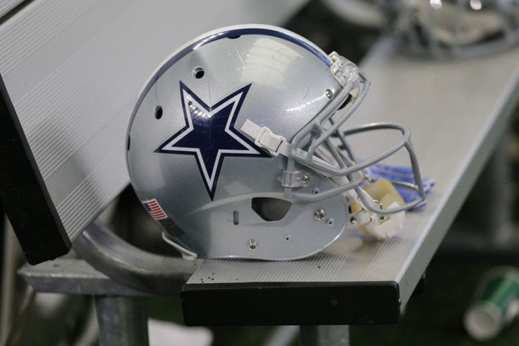 REPORT: Cowboys' La'El Collins could return in late December = According to a Thursday afternoon report from Ian Rapoport of NFL.com, the Dallas Cowboys could be adding yet another weapon to their already dynamic offense at some point later this month. Per the report, Cowboys' guard La'El Collins is.....