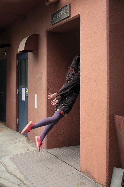 Today's Levitation > leaving in a hurry