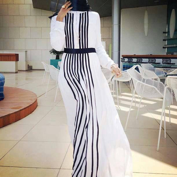 #black #white #hijabi #hijab #fashion