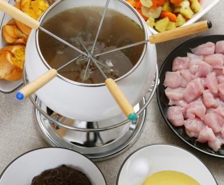 In questo speciale ci concentriamo su come servire al meglio i vostri piatti di carne. Vi proponiamo una selezione delle migliori salse per la bourguignonne.
