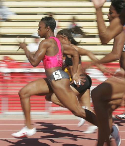 I <3 Carmelita Jeter!!!!  Definition of beast mode!!!!  Can you say STRONG!!