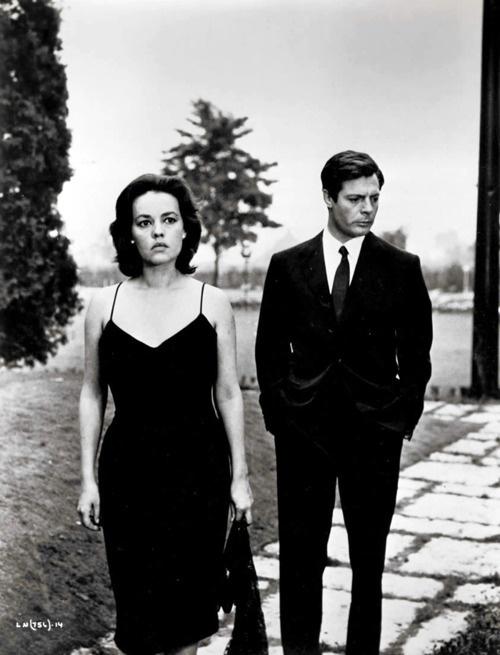 """Jeanne Moreau and Marcello Mastroianni in  Michelangelo Antonioni's """"La notte"""" (1961)"""