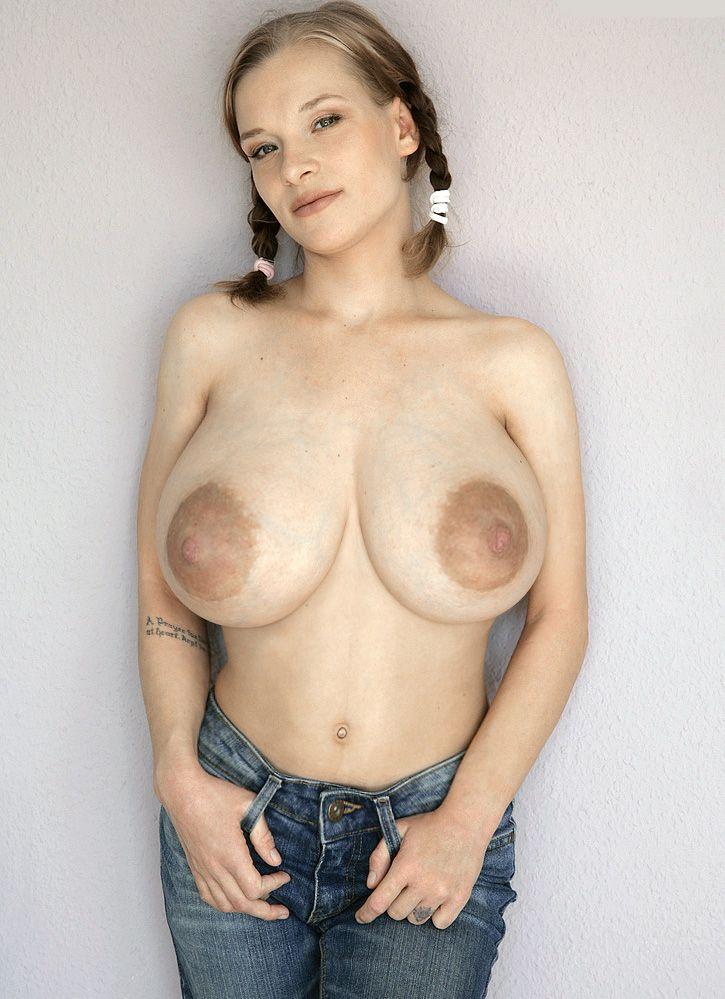 Big tits frauen handyjob pics
