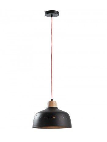 Questa sospensione rappresenta la semplicità e la funzionalità. La sua struttura metallica accompagnato da un pezzo di legno è sospesa da un filo rosso, che gli conferisce un tocco di modernità.