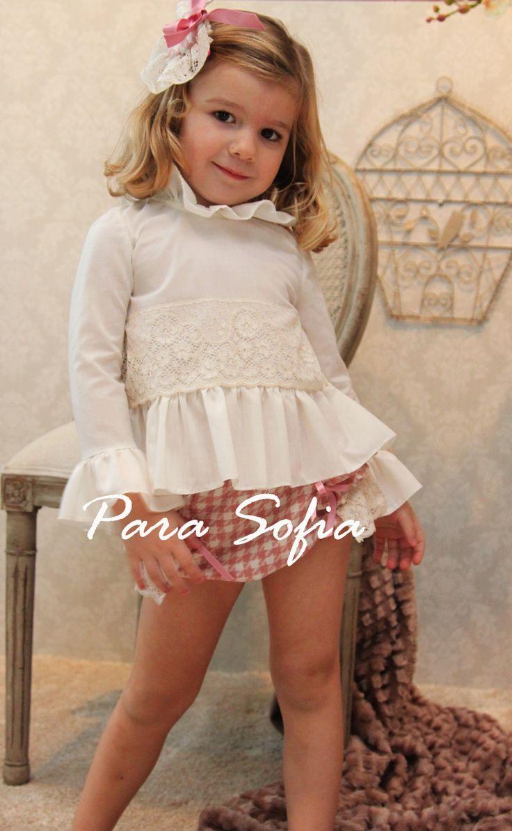para sofia moda infantil http://www.estoyradiante.com/2014/11/vestidos-de-para-sofia-en-promocion/