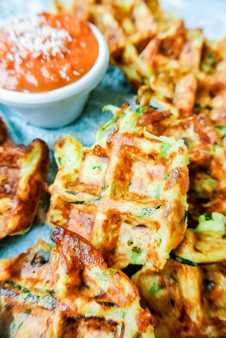 {quinoa + zucchini pizza fritters} a waffle iron gets these fritters super crispy! plus - they are totally customizable with your favorite pizza toppings. _