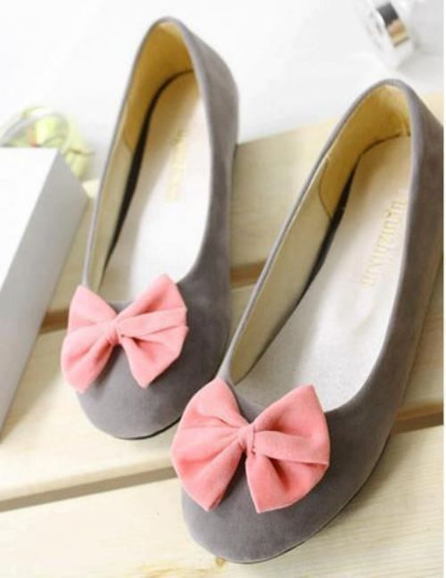 Grey flats with pink bow!