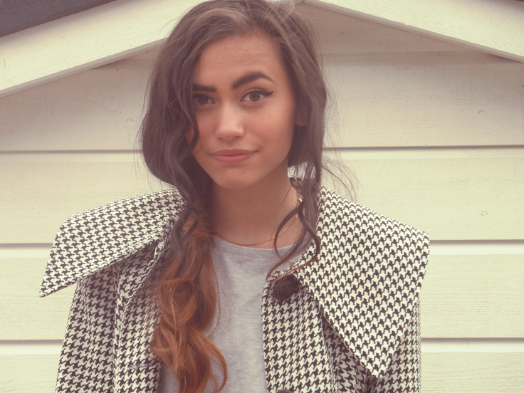Classy printed Coat and some Curl/Wavy hair