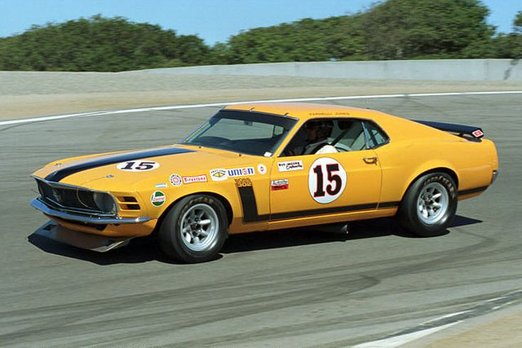 Parnelli Jones driving his 1970 Trans Am champion Mustang ...