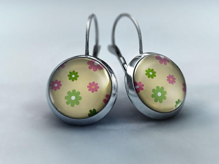 Ohrhänger - Blütenzauber in rosa und grün von Schmuckkauz auf DaWanda.com