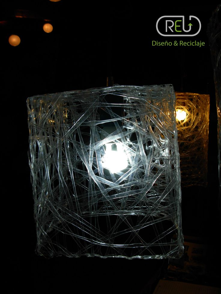 Recycled Lamp made whit PET bottles   Facebook: REU - Diseño y Reciclaje