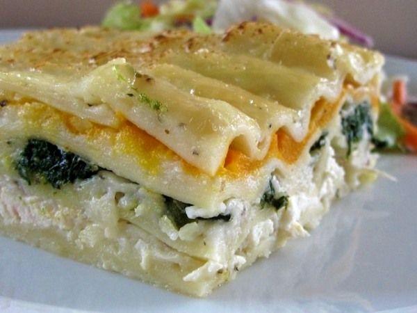 white chicken lasagna... This looks amazing!!