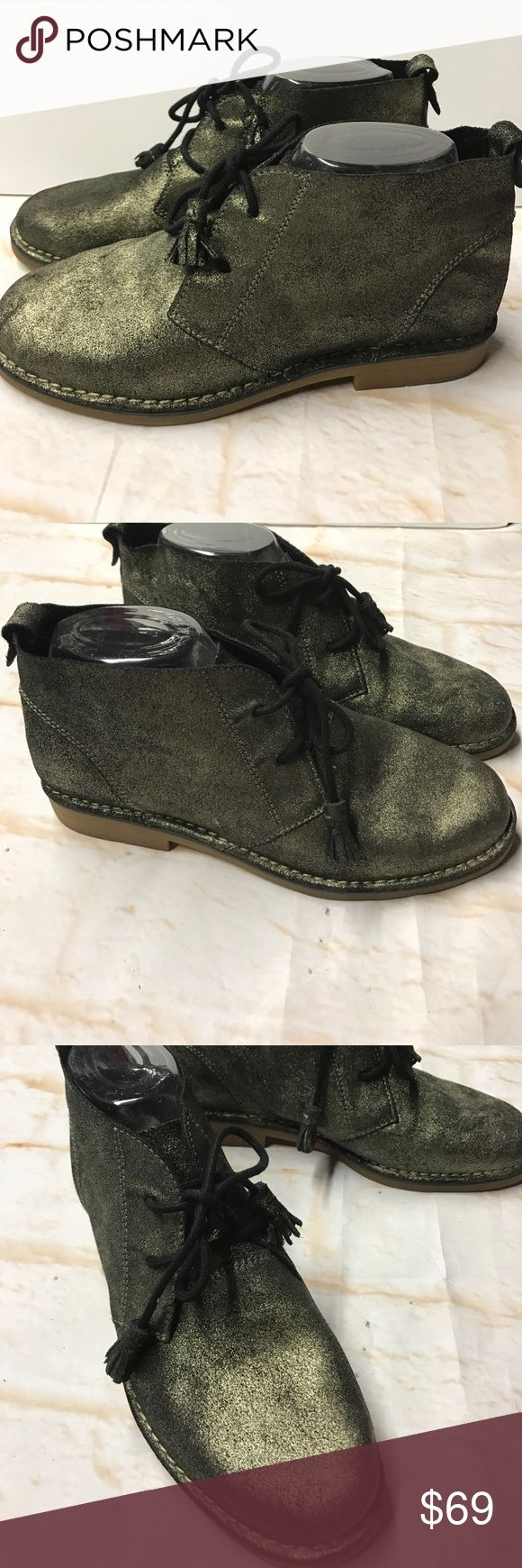 Hushpuppies Catelyn Ankle Boot Metallic Sz 9 Suede New without box. Size 9 Wide Large. Gold metallic over Suede. Cute tassel laces. Non smoking home. Hush Puppies Shoes Ankle Boots & Booties