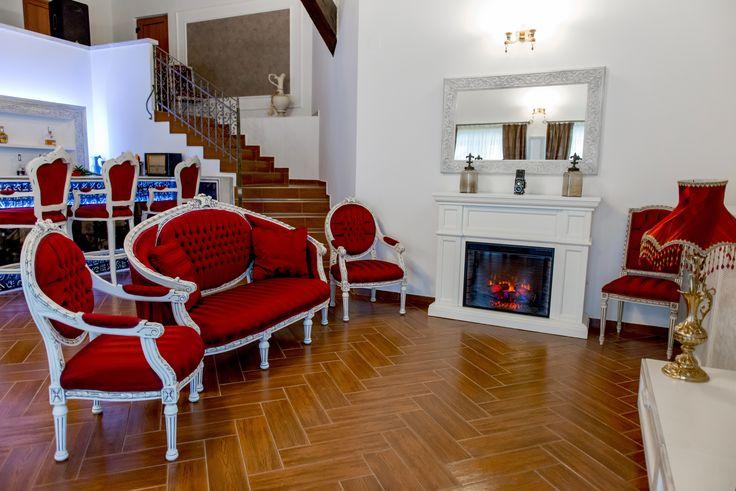 Living room cu semineu  si biliard - Princess of Transylvania