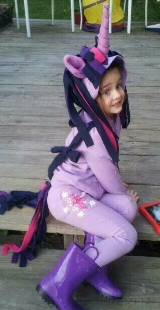 This is the costume i made for Isabel this year, Twilight Sparkle from My little pony #mlp
