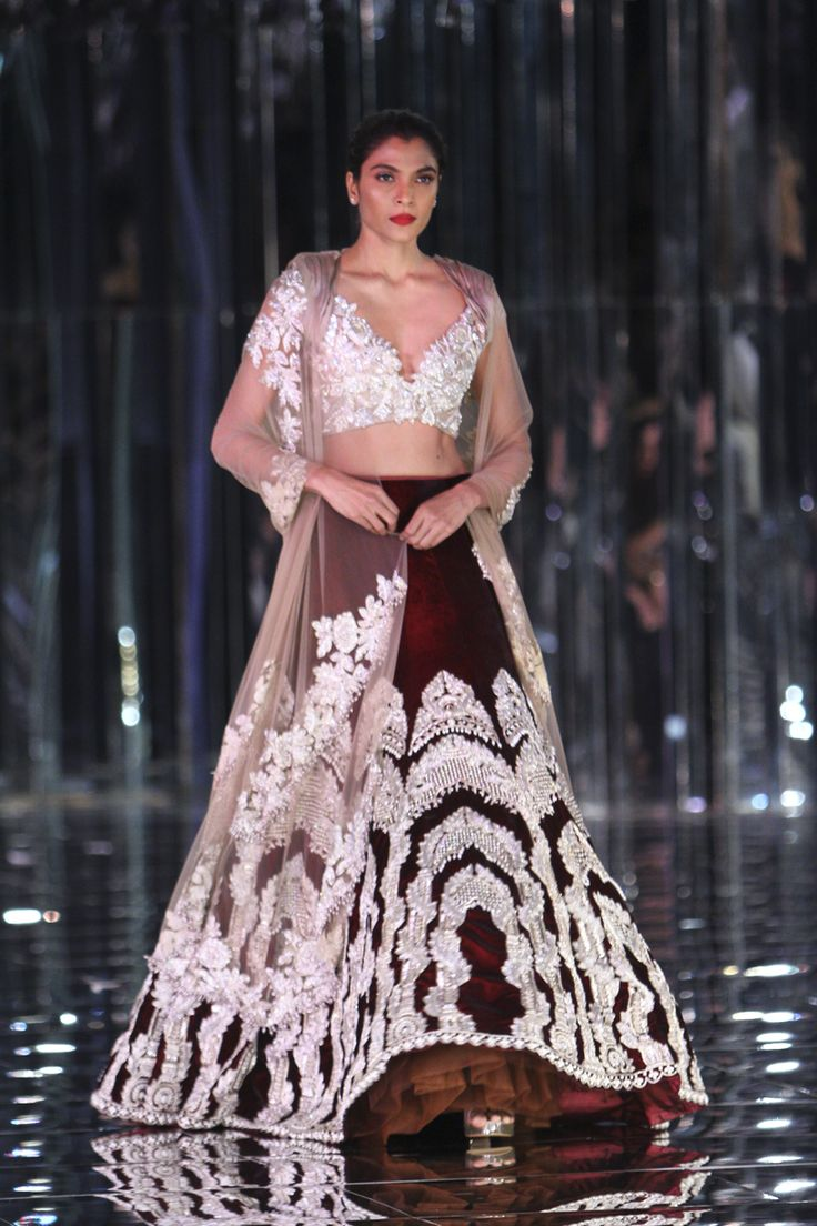 Complete collection: Manish Malhotra at India Couture Week 2017