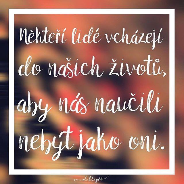 Energie lidí a věcí, která na nás působí zvenčí, má velký vliv nejen na naši pohodu, ale i na naše zdraví. ☕️ #sloktepo #motivacni #hrnky #mujzivot #milujuho #kafe #citaty #dobranalada #originalgift #mojevolba #laska #stesti #pohoda #domov #dokonalost #czechgirl #czech #czechboy #praha