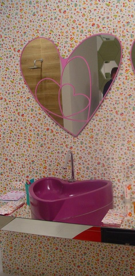 #Kypriotis #Design #Innovation #Bathroom #Tiles Η Agatha Ruiz de la Prada συνεχίζει να μας εντυπωσιάζει με τις δημιουργίες της