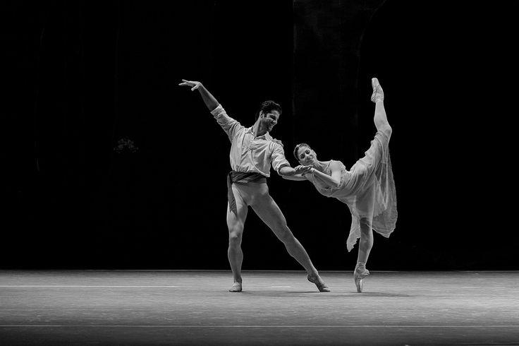 https://flic.kr/p/Gz4Vao | Marcelo Gomes and Paloma Herrera ballet dancers at the Teatro Positivo, Curitiba - By F. Riesemberg | Marcelo Gomes and Paloma Herrera ballet dancers at the Teatro Positivo, Curitiba - By F. Risemberg