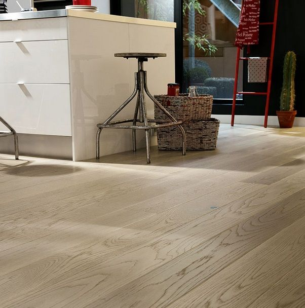 Strona główna :: Podłogi Drewniane :: TARKETT :: EPOQUE Maxi lakier :: Dąb Sandy Szary Szczotkowany 7876086 Epoque 162 Proteco Natura Tarkett