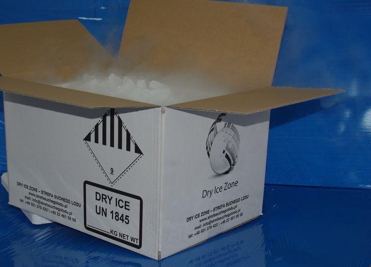 #sprzedażsuchegolodu #zestawsuchegolodu Gotowy zestaw suchego lodu 30 kg granulatu  fi 16 mm + opakowanie styropianowe ST30 W cenę zestawu wliczony jest suchy lód o gramaturze fi 16 mm, opakowanie styropianowe ST30 oraz opakowanie tekturowe zewnętrzne OK40. Gotowe zestawy suchego lodu 30 kilogramów dostępne są w e-sklepie => http://www.suchylod.net/produkt/203-zestaw-wysylkowy-30-kg