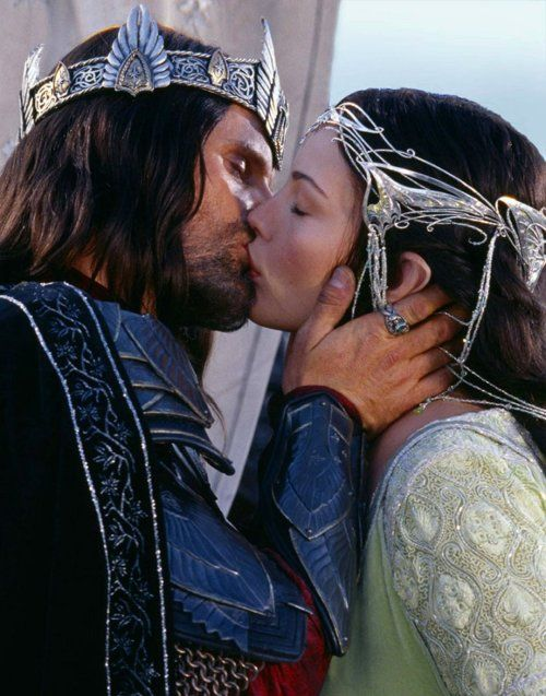 Aragorn and Arwen, Lord of the Rings, Return of the King: one the best movie kisses ever